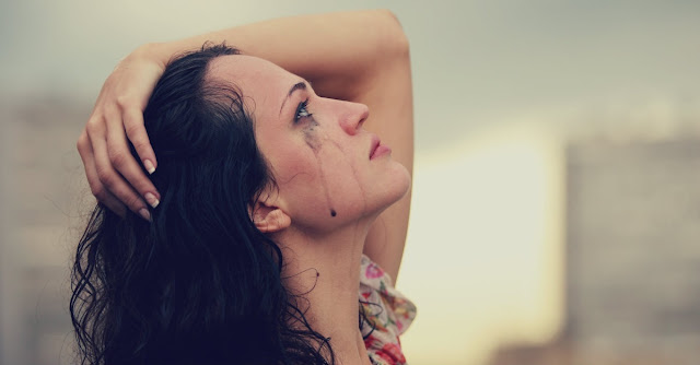 Kumpulan Gambar Wanita Menangis Beserta Kata-Katanya, Bikin Baper