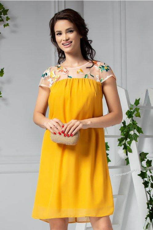Rochie de seara dreapta galben larga cu dantela brodata la bust