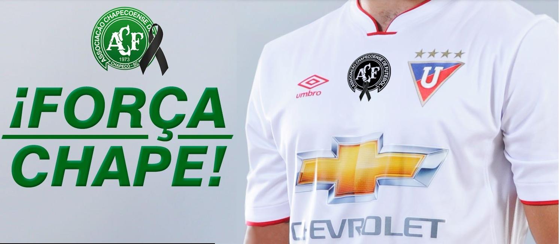 LDU homenageará a Chapecoense em sua camisa - Show de Camisas 3e3bf00c4d756