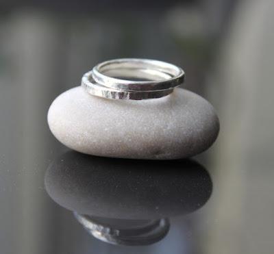 hopeinen sormus, taottu sormus, kapea sormus