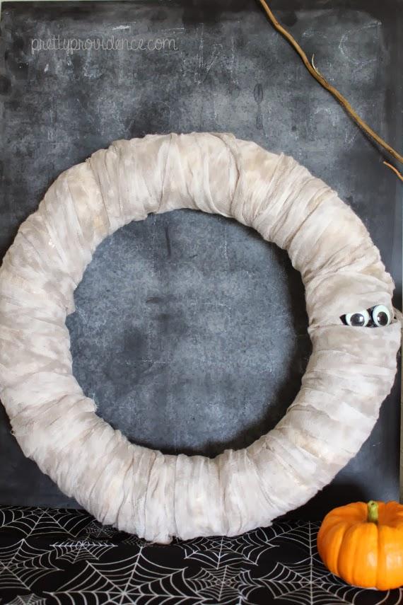 creative googly eye halloween crafts - Halloween Mummy Wreath