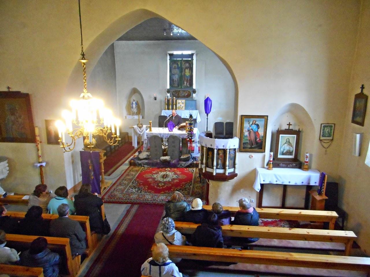 ołtarz, chór, ławy, obrazy