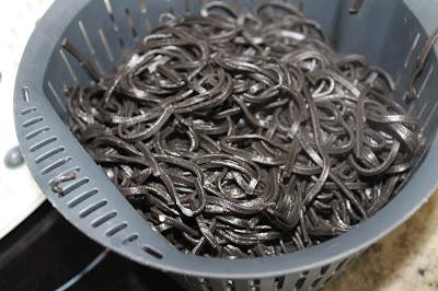 Espaguetis nero di sepia con calamares Thermomix