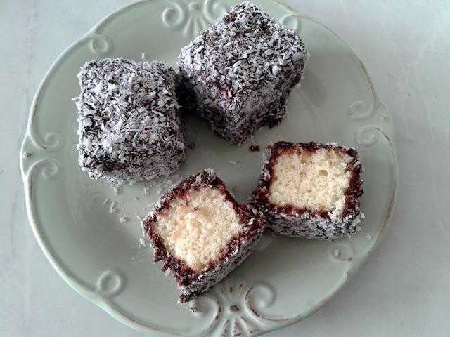 bolo com chocolate e coco