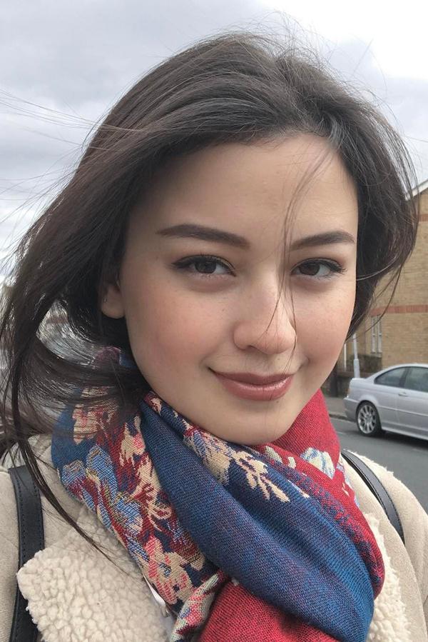 wallpaper cantik remaja seksi Kimberly Ryder