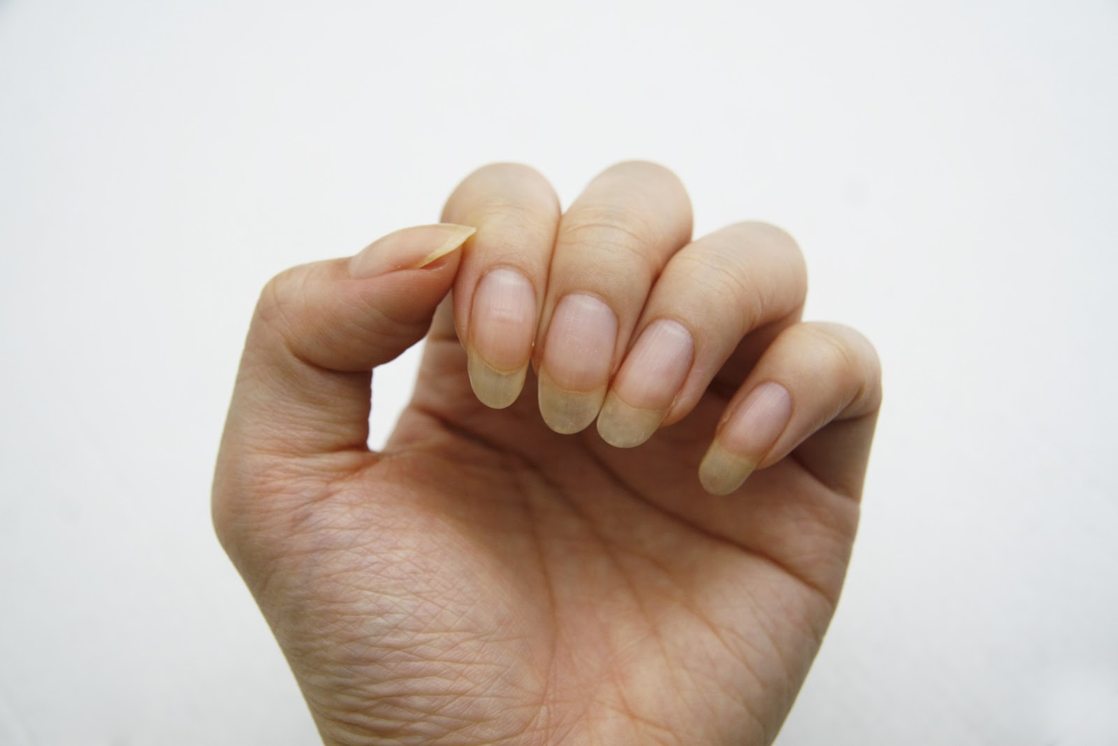 how to grow healthy nails naturally