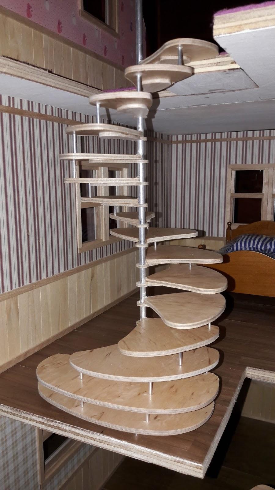 construction de ma maison de poupee de style nord americain la mont e des marches 2 me phase. Black Bedroom Furniture Sets. Home Design Ideas