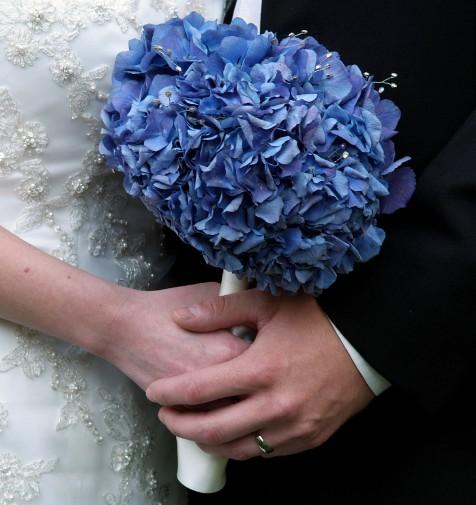 Flowers Winter Wedding: Wedding Flowers: Winter Wedding Bouquets