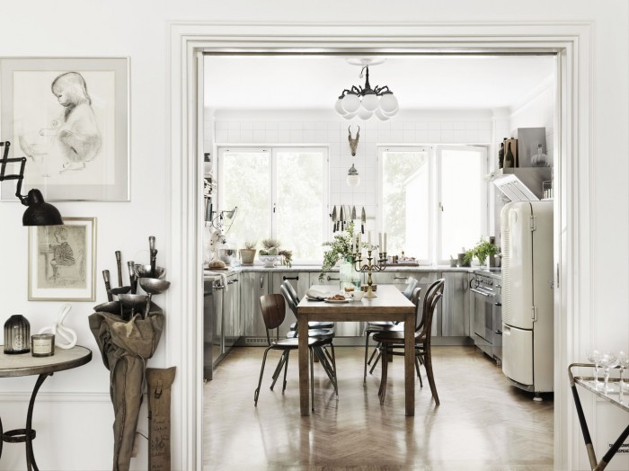 white scandanavian kitchen