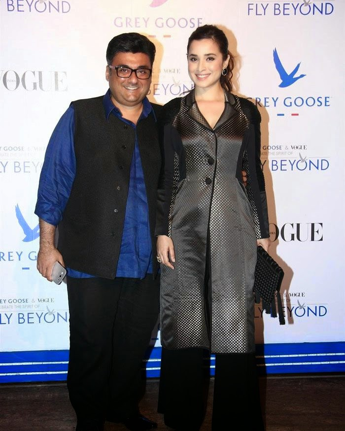 Farhad Samar, Simone Singh, Pics from Red Carpet of Grey Goose & Vogue's Fly Beyond Awards 2014