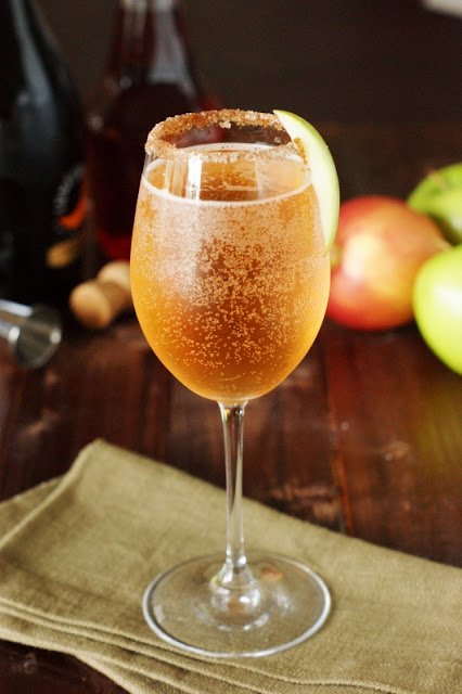 Sparkling Apple Pie Cocktail image ~ a perfect Fall cocktail!   www.thekitchenismyplayground.com