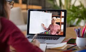 Cara Mendapatkan Perhatian Audiens Saat Presentasi Virtual. The Zhemwel