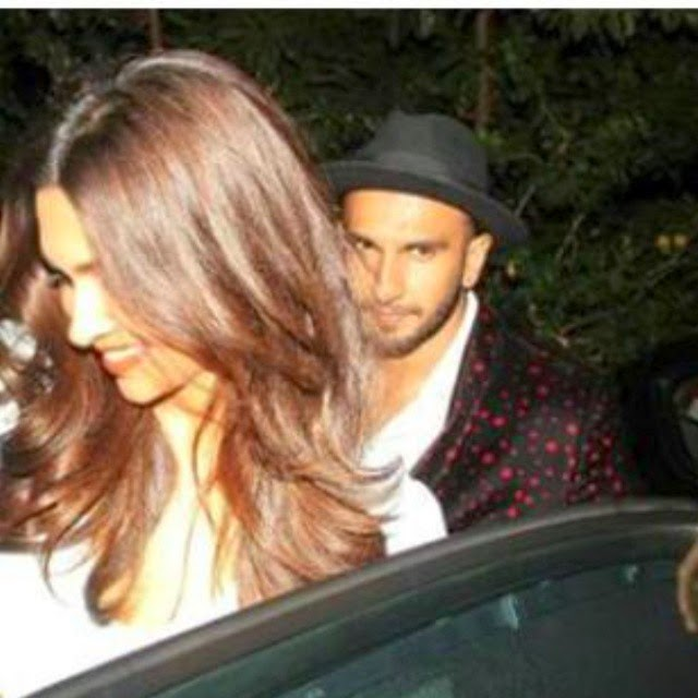 her hairs😄 i love it💖 arrgh i dont understand wheather i ship deepveer or no! 😫 actually i dont😆 deepika padukone , queen of bollywood , ranveer singh ,, Deepika Padukone Hot Pics In Blue Dress At Farah Khan Bday Party