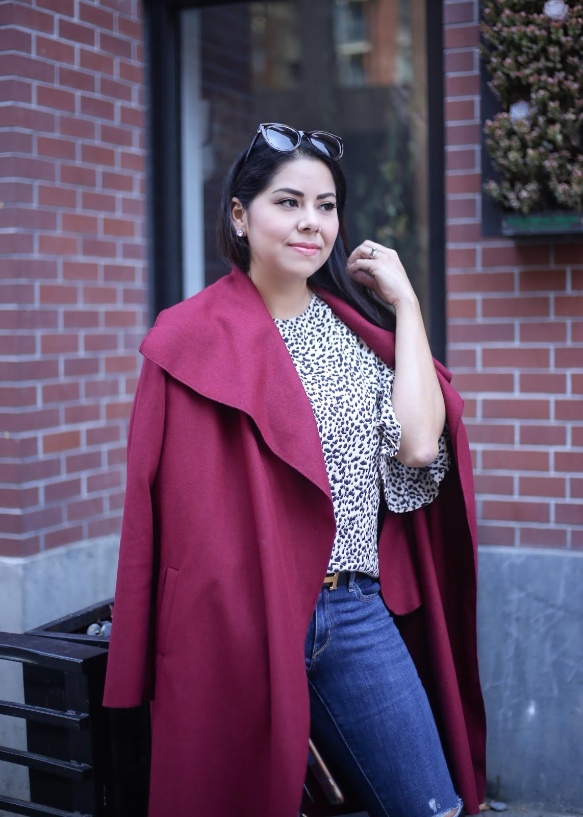 how to wear a burgundy coat, pairing burgundy with leopard outfit