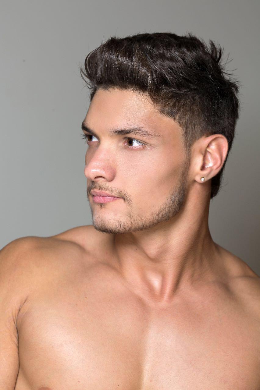 Felipe Cerutti, candidato a Mister Brasil 2016, posa para ensaio. Foto: Ronaldo Gutierrez