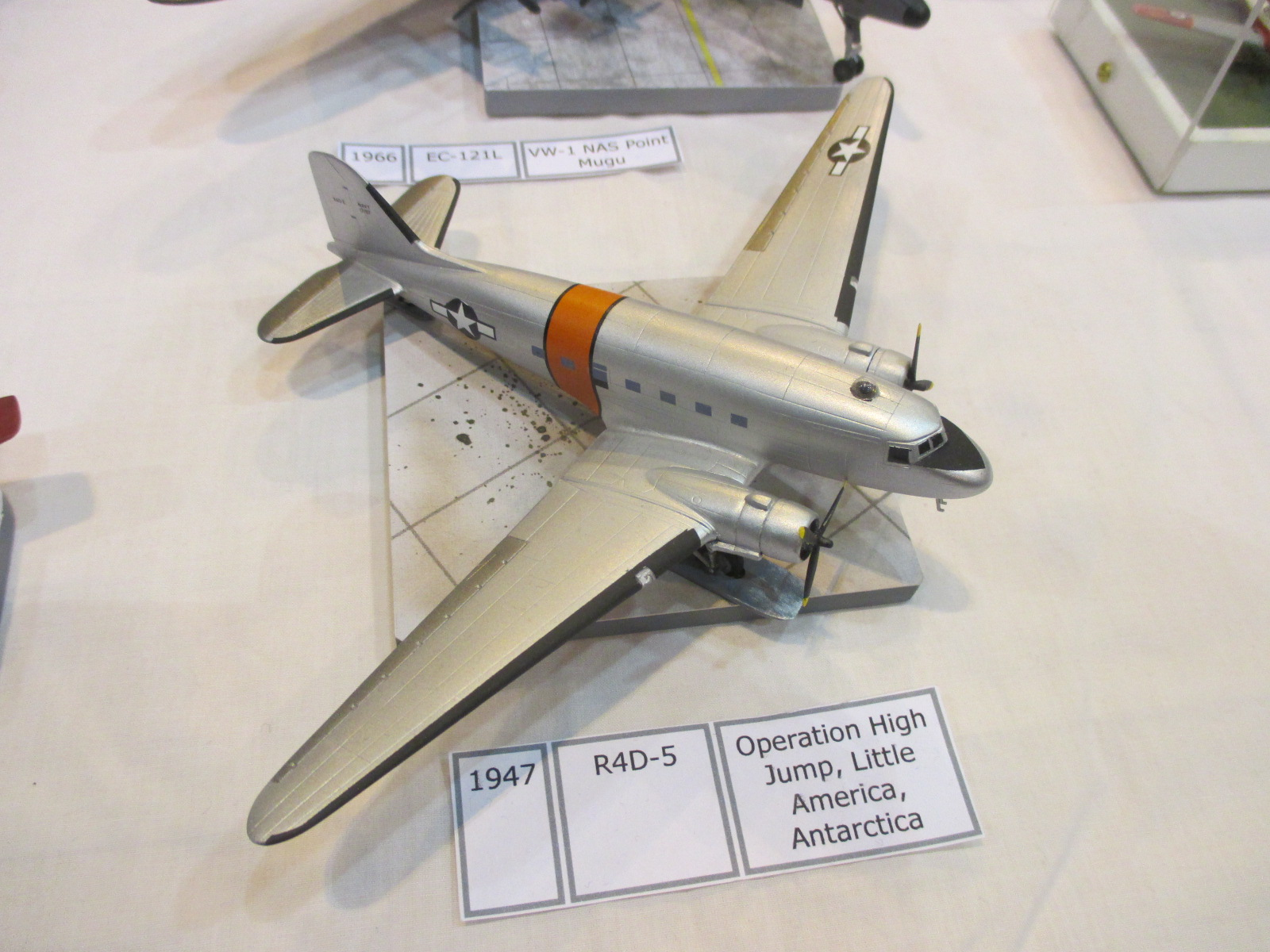 1 144 airbattle scale modelworld 2016 part 4 sig 1 for Ouvrir une nouvelle fenetre html