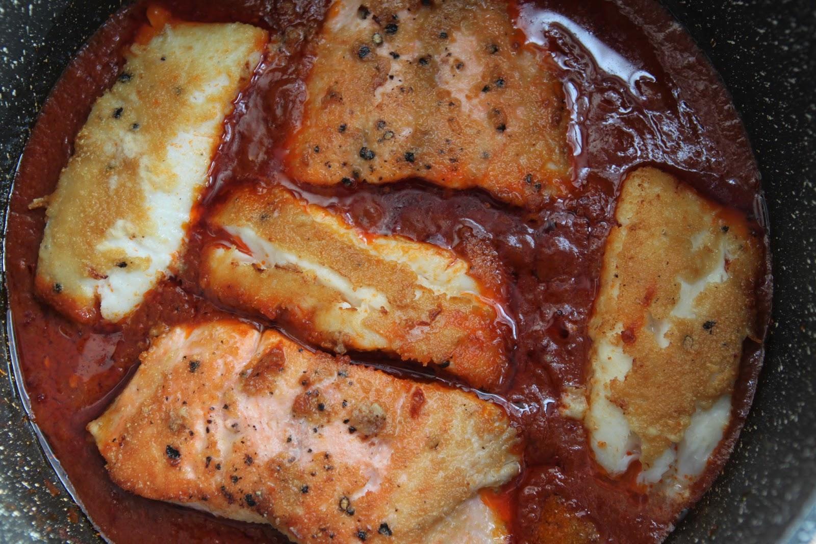 Ryba w czerwonym sosie