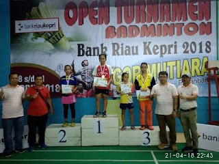 2 Atlit Badminton Kota Payakumbuh Juara Di Bank Riau Kepri Open 2018
