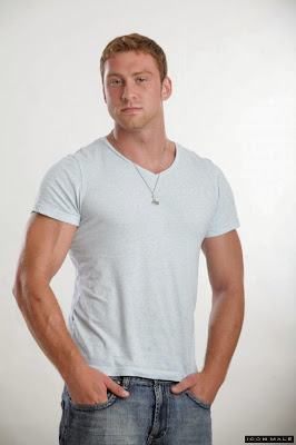 http://pakomx.blogspot.com/2015/05/modelo-connor-maguire-ii-icon-male.html