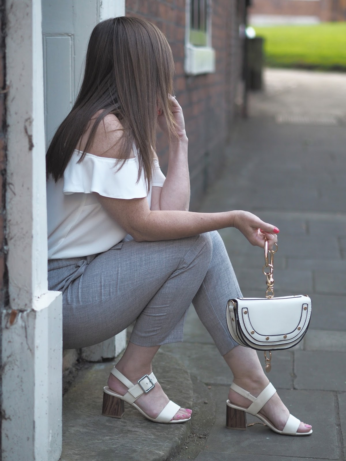 Shein \ designer dupes \ fashion \ style \ trend \ Chloé Nile \  grey cropped trousers \ handbag \ Priceless Life of Mine \ over 40 lifestyle blog