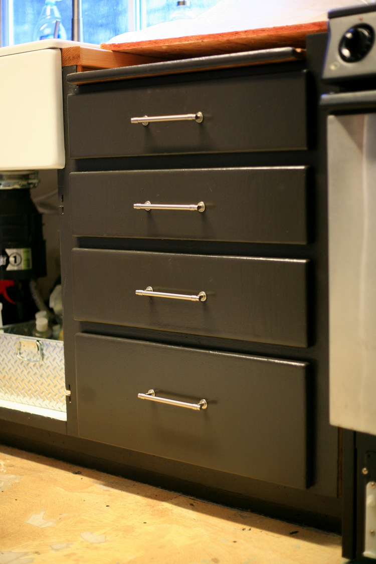 Kitchen Door Handles And More Back At It Cabinet Knobs And Kitchen Painting Stanley90sreno
