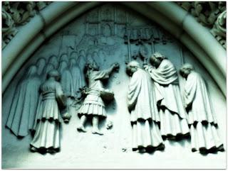 Os Sacerdotes - Esculturas na Igreja Santa Teresinha, Porto Alegre