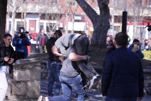 Αλβανία: Επεισόδια στα Τίρανα σε νέα διαδήλωση κατά Ράμα