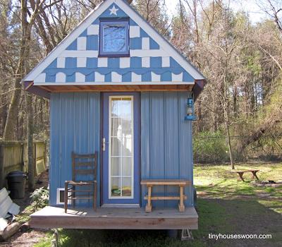 Casa pequeña de madera en Estados Unidos