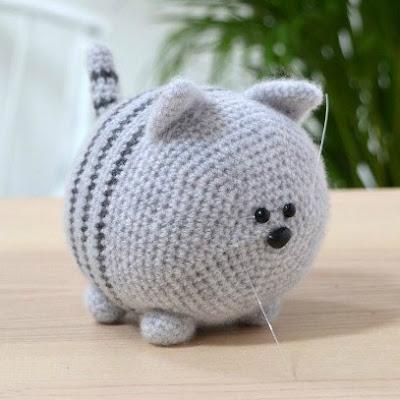 Вязаный кот амигуруми