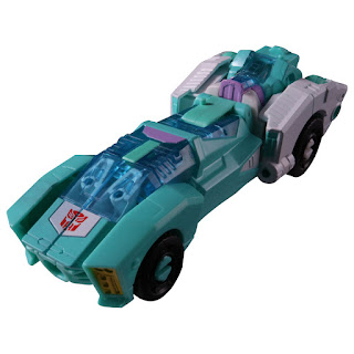 PP-16 Moonracer dalla Takara Tomy per la serie Transformers Power of the Primes