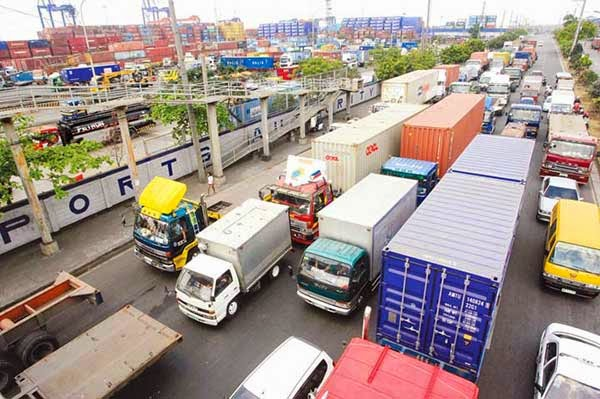 Traffic congestion at Port of Manila