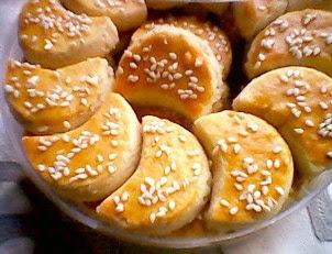 http://resepkue2014.blogspot.co.id/2014/07/resep-kue-kacang-bulan-sabit-terbaru.html