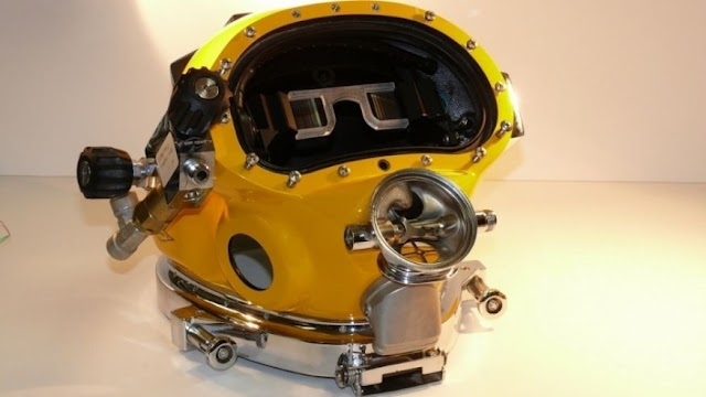 US Navy develops 'Iron Man'-style AR diving helmet