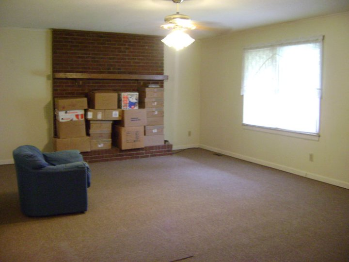 Where the Green Grass Grows...: The Big Move:Packing up Home