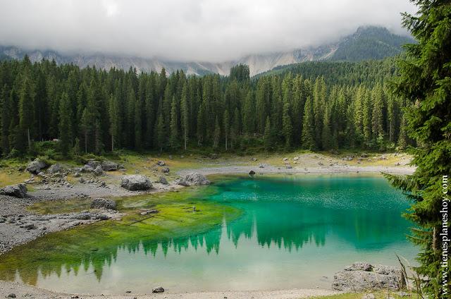 Viaje a Dolomitas Italia lago Carezza paisajes