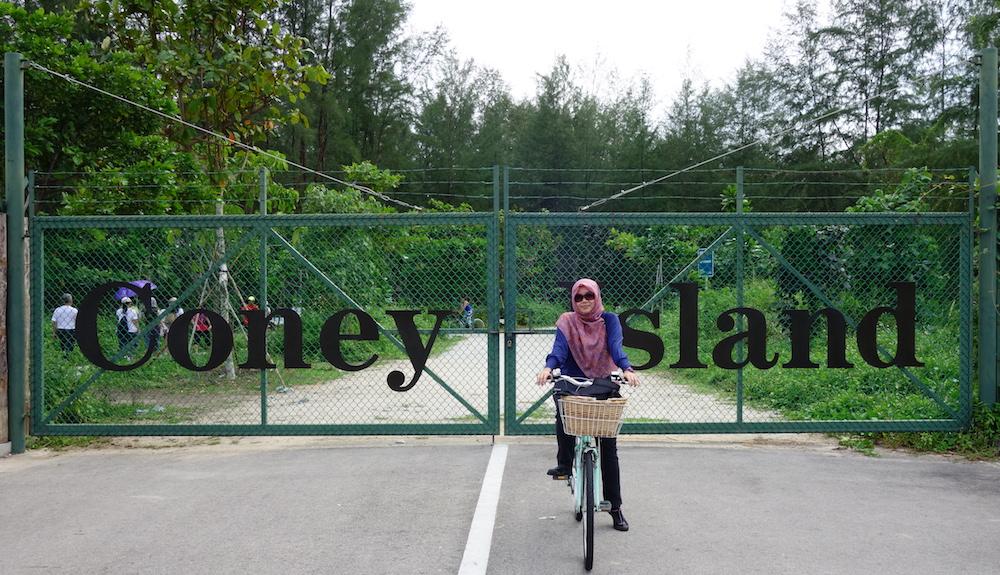 tesyasblog : Cycling at Coney Island Singapore