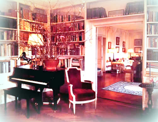 Her Bedroom Was Modeled After Marie Harriman S Georgtown Where Jackie Stayed Moving From The White House With Pale Green Walls And Bright