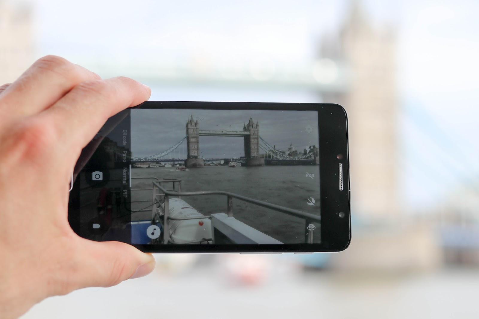 Alcatel POP 4 Tower Bridge