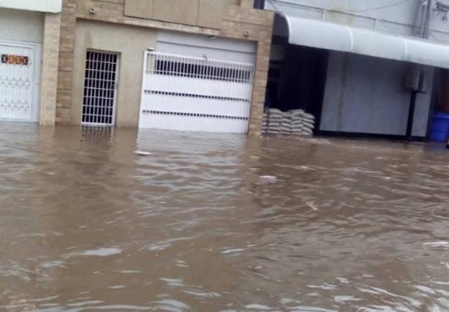 Calles de Maracaibo se inundaron tras precipitaciones de este viernes