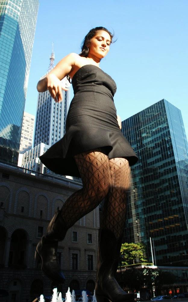 Anushka Shetty Spicy Legs Show Dancing In Black Short Dress