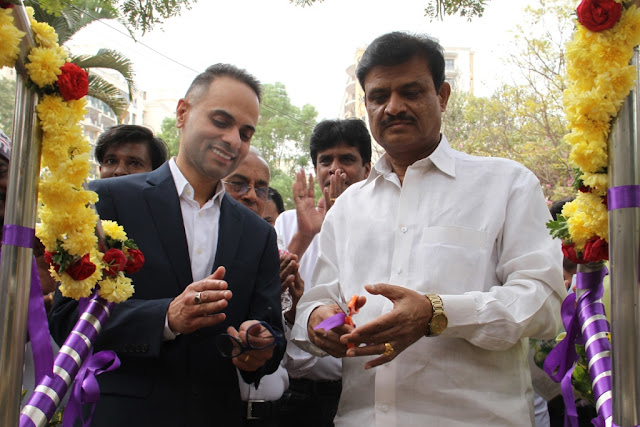 Photo - 1 - Inauguration by MLA Munirathna and Dr. Amen Dhyllon, CEO, TeslaENERGY Pvt Ltd