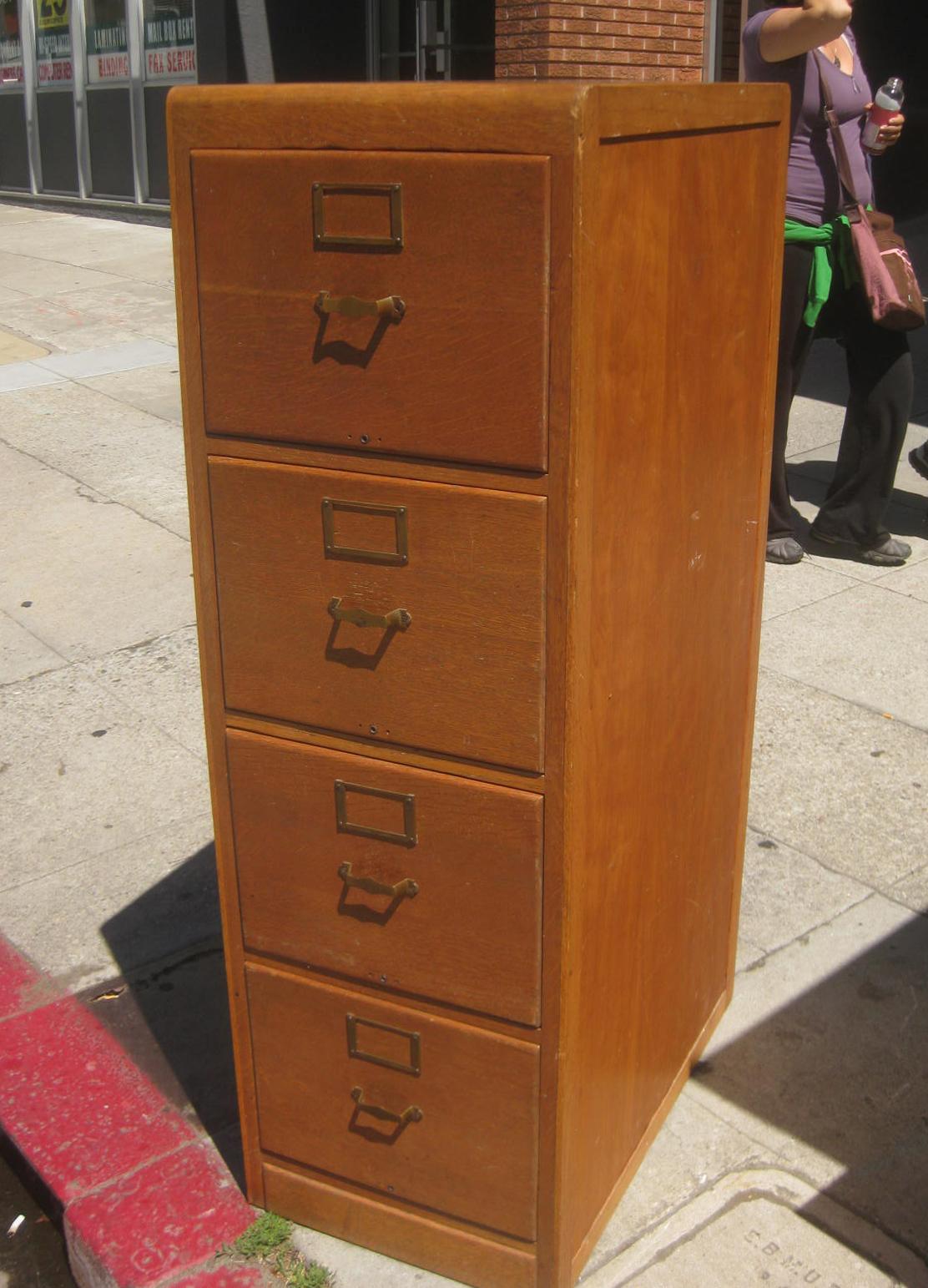 Uhuru Furniture Amp Collectibles Sold Wooden 4 Drawer