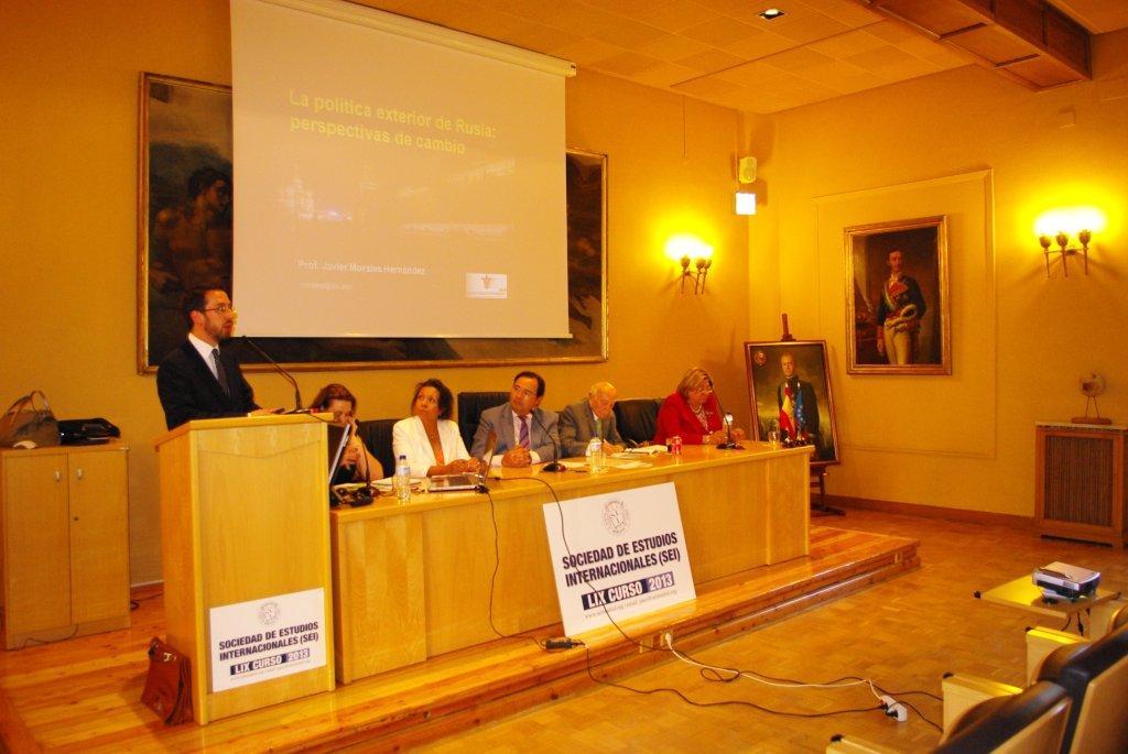 Javier morales 2013 for Estudios de politica exterior