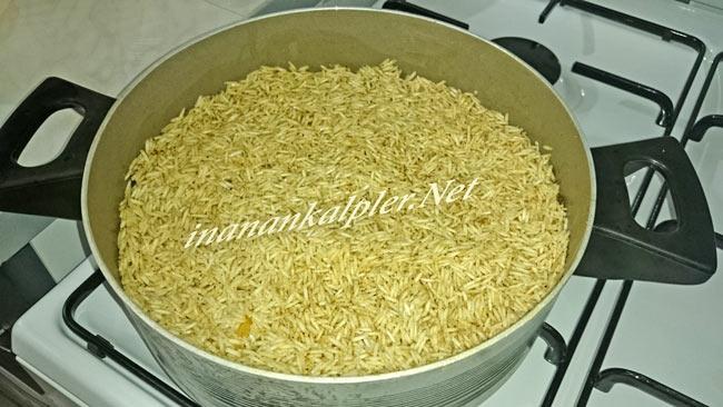 Baharatlar ile harmanlanan pirinç