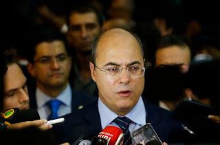 http://vnoticia.com.br/noticia/3360-novo-governador-do-rio-corta-30-das-despesas-das-reparticoes-publicas