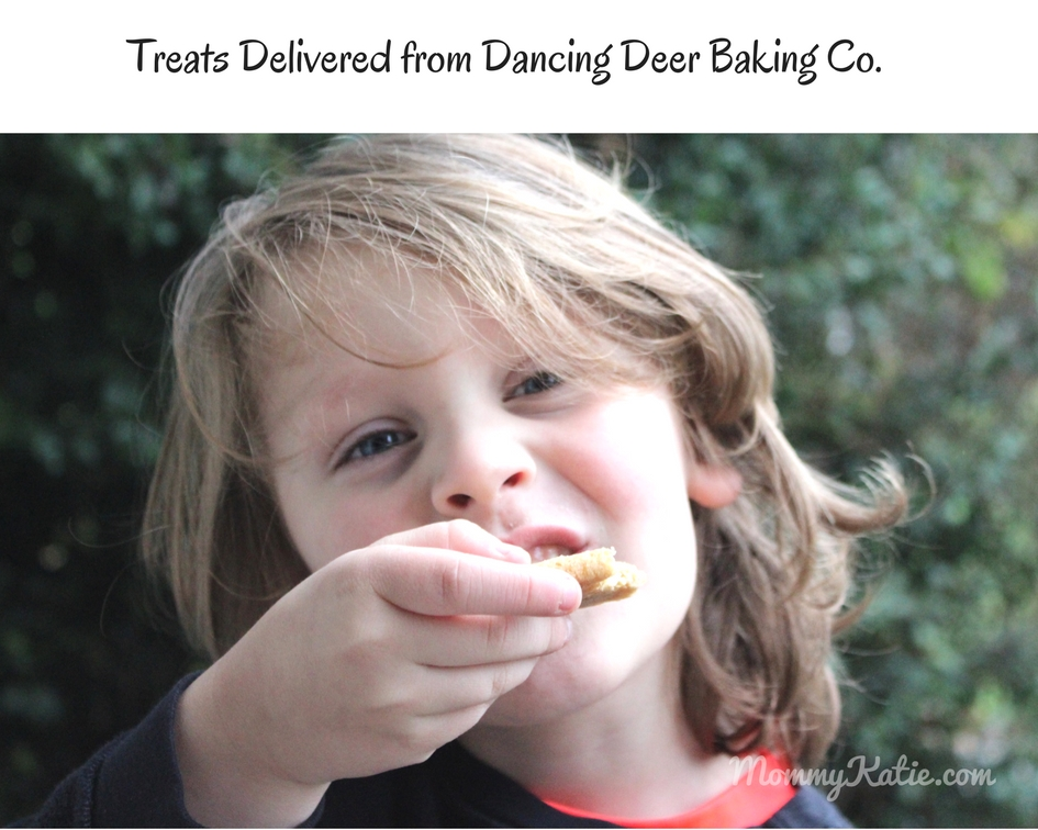 #Giveaway Holiday Guide: Dancing Deer Baking Co