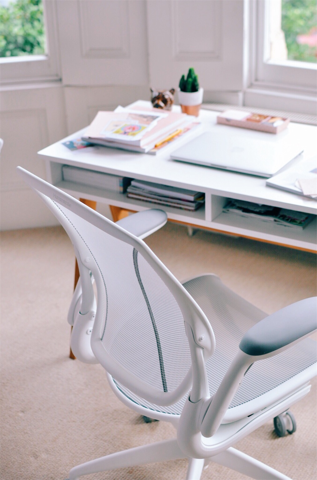 home office ideas, office design, office decor ideas, working from home, back to work after a baby, office interior, small office desk, best office chair, computer chair, white office chair white desk chair, working with a baby