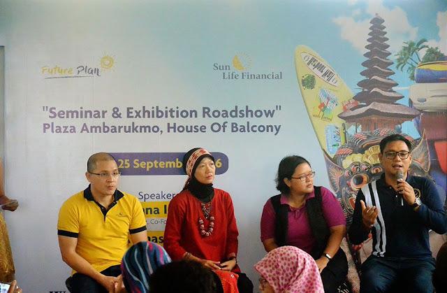 Keempat Pembicara pada acara Sun Life di Ambarukmo Plaza
