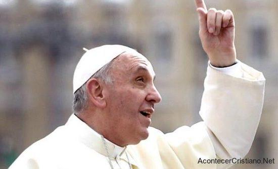 Papa Francisco comenta sobre la Virgen María