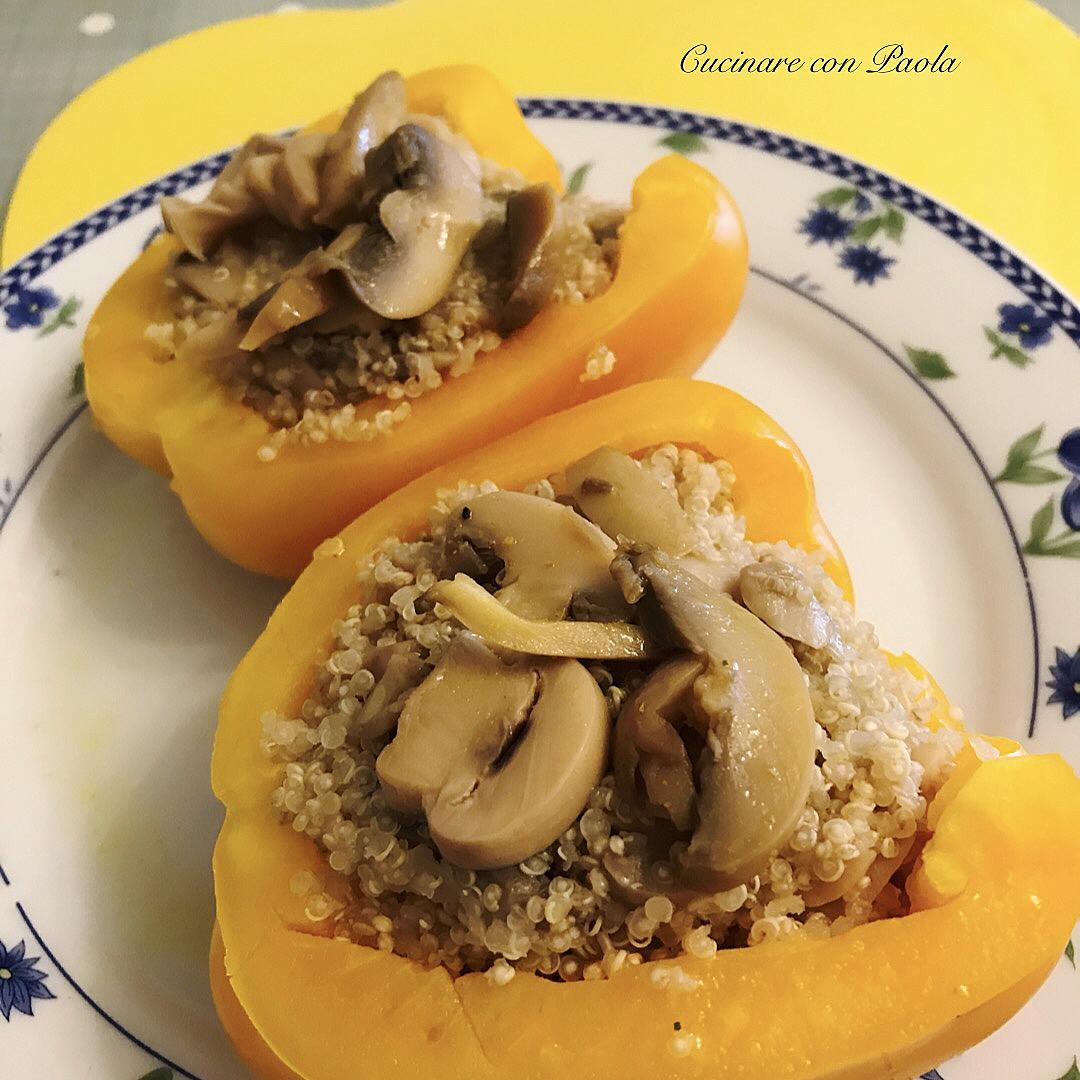 Peperoni ripieni di quinoa e funghi champignon cucinare - Come cucinare champignon ...